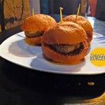 Juepincho: Mini-burgers de colores en La Mejana de Salduie