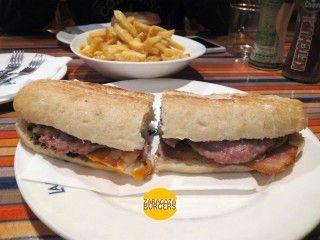 La Antilla: Solo una hamburguesa en la carta