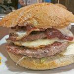 San Petersburgo: comidas del mundo en una hamburguesa