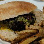 Vuelta y Vuelta: Una hamburguesa para los amantes de la carne
